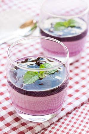 panna: Panna Cotta with blueberries
