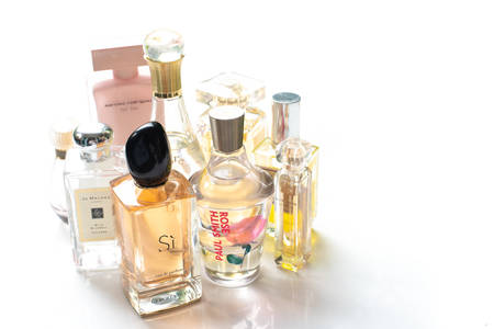 Bangkok - Thailand: 30  April 2018. Studio shot of several perfume brands against white background. Giorgio Armani Si, Dior, Paul Smith Rose, Jo Malone, Elie Saab, Narciso rodriguez 写真素材 - 101394471