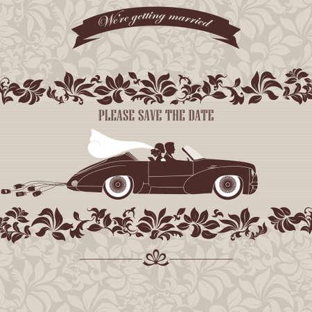 pareja de esposos: invitación de la boda, la novia y el novio en el coche retro sobre un fondo floral Foto de archivo
