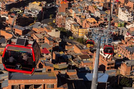 la paz: Cable cars system in La Paz, Bolivia, May 2016
