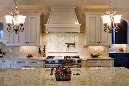高級キッチン花崗岩のカウンター トップに 写真素材