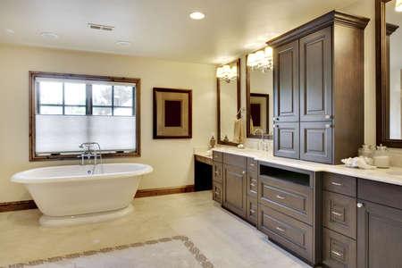 広視野角の浴室の