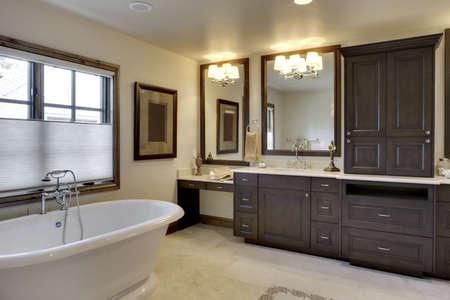 Wide angle view of bathroom