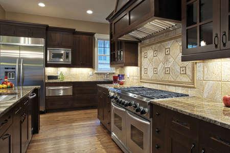 Cucina di lusso con ripiani in granito Archivio Fotografico - 5289919