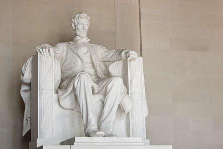 リンカーン記念館ワシントン DC で。全体の彫刻の表示します。