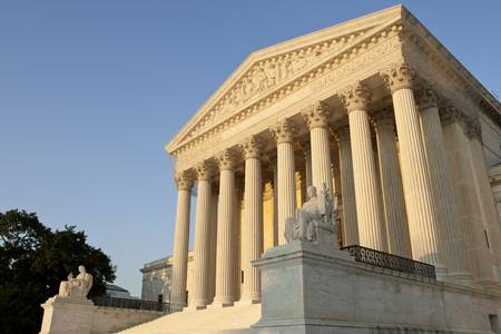 United States of America Supreme Court exterior front at sunset. Archivio Fotografico