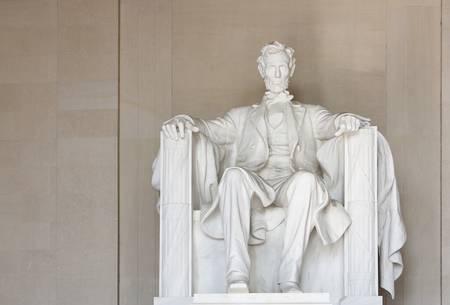 リンカーン記念館ワシントン DC で。顔に焦点を当てます。