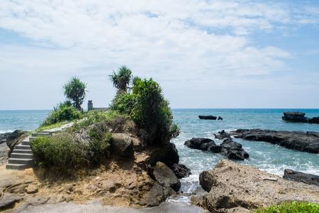 granola: glorioso paisaje: marino con gran ola de vacaciones de sus sueños