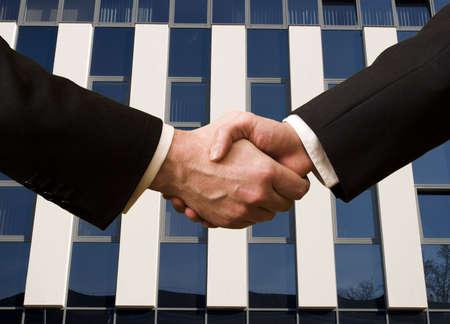 manos estrechadas: Handshake