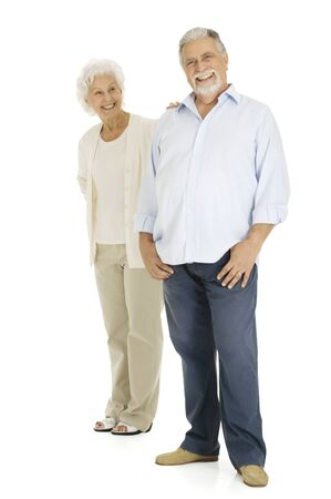 one senior adult woman: pareja de ancianos sonriente