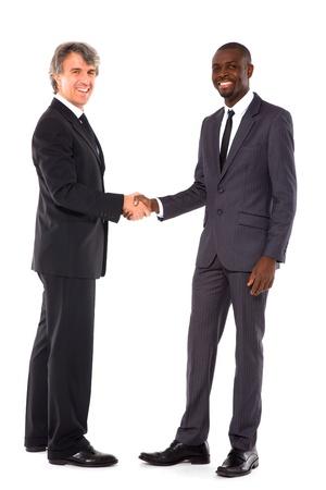 saluta: uomini d'affari si stringono la mano