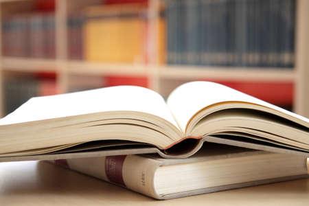 učebnice: knihy v knihovně Reklamní fotografie