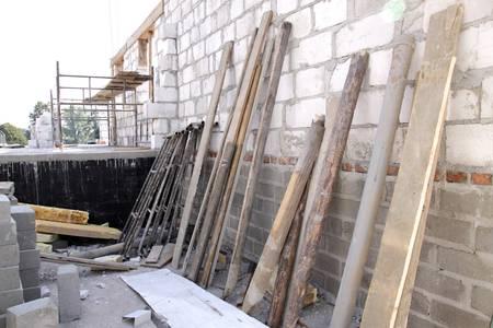 muddle: construction materials