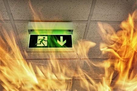건물의 화재 - 비상구 스톡 콘텐츠