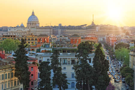 heliopolis: Sunny view of Rome and Vatican