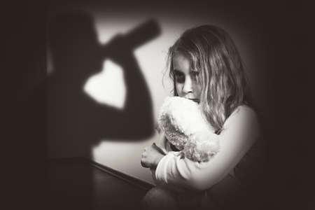 Gewalt in einem alkoholischen Familie Standard-Bild - 40758693