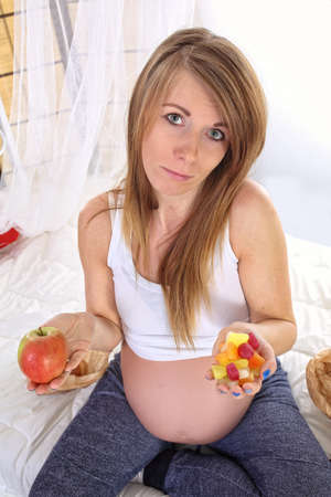 pregnant women donuts: Nutrition during pregnancy - Healthy eating Stock Photo