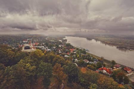 kazimierz dolny: Kazimierz Dolny - a beautiful Polish town as seen from the tower