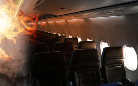 fire and smoke in the aircraft cabin Foto de archivo