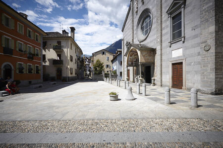 Domodossola tarihi merkezi, turistik İtalyan şehirleri Editorial