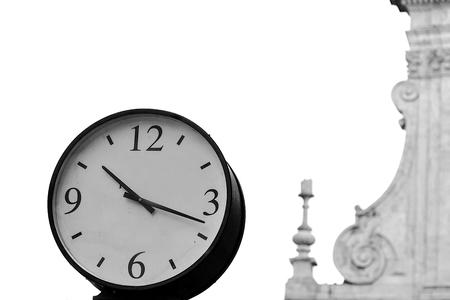 Copyspace とローマの街、休日の概念の時間の時計します。