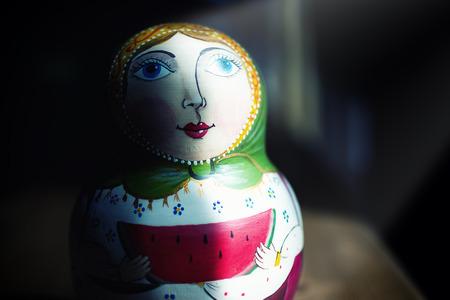 ロシアの伝統の光スポット、概念とロシアのマトリョーシカ