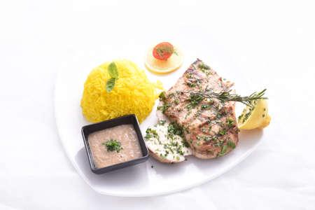 Poitrine de poulet grillé avec riz à la chaux Banque d'images - 97149025