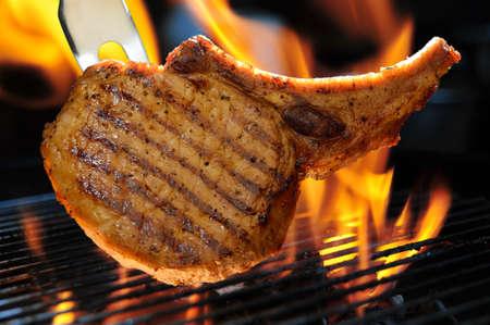 grilled pork: Thịt nướng thịt heo chop