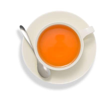 Draufsicht auf eine Tasse Tee, auf weißem isolieren