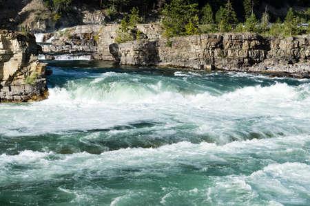 米国北部モンタナ クーティネー湖滝