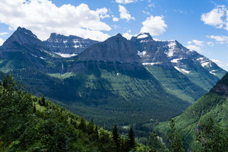 Alpine scenery along Going-to-the-Sun road in Glacier National Park, USA Stock Photo