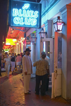 orleans parish: Blues club and neon lights on Bourbon Street in French Quarter of New Orleans, Louisiana