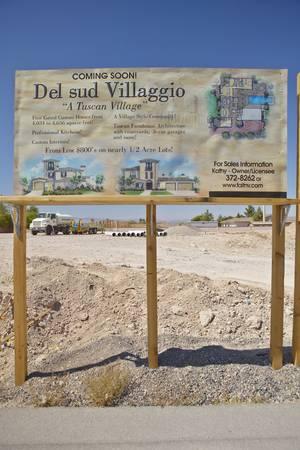 urban sprawl: Desert construction of new homes in Clark County, Las Vegas, NV