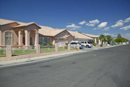 land use: Deserto costruzione di nuove case nella Contea di Clark, Las Vegas, NV Archivio Fotografico