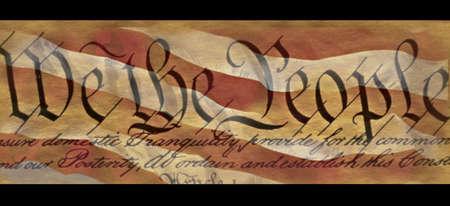 이것은 우리 헌법의 서문으로, 우리 국민을 나타내는 단어로 시작합니다. 그것은 미국 국기의 빨간색과 흰색 줄무늬의 배경으로 설정됩니다. 이것은