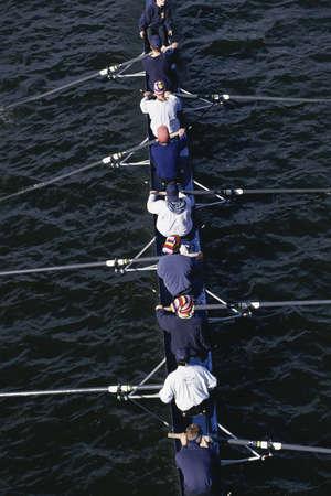 水にボートの乗組員チーム 写真素材