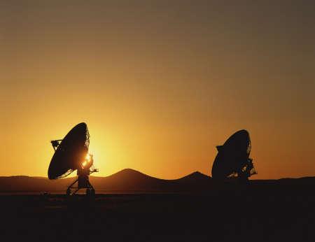 antena parabolica: Siluetas VLA Very Large Array platos de radiotelescopios