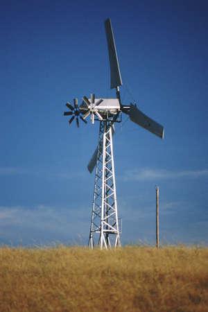 altamont pass: Wind turbine in grassy field