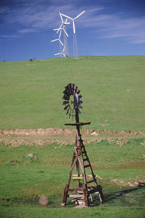 altamont pass: Old and new windmills Stock Photo