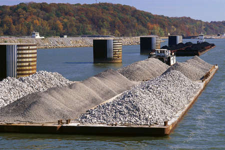barge: Barge on Tennessee River