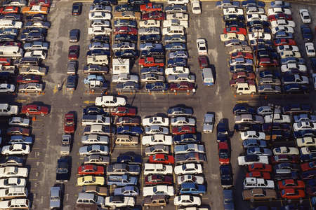 Overvolle parkeerplaats buit Stockfoto