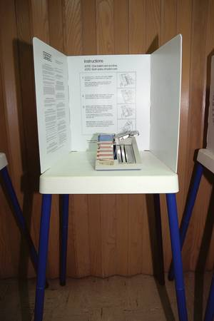 voting: Display showing voting booth mechanism