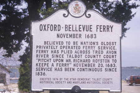 bellevue: A sign for the Oxford-Bellevue Ferry