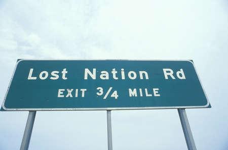 rd: Un cartello che recita Perso Nazione Rd - Uscita 34 mile
