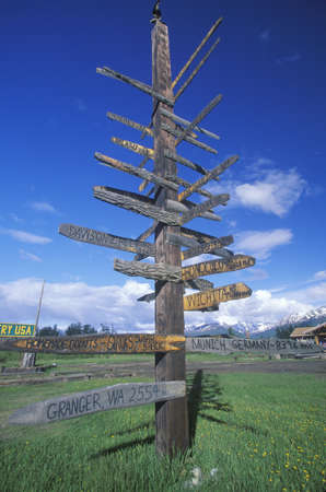 distance: Miscellaneous distance signs in Alaska, Route 1