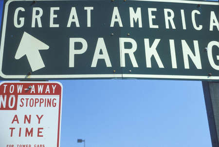 A sign that reads �Great America Parking�