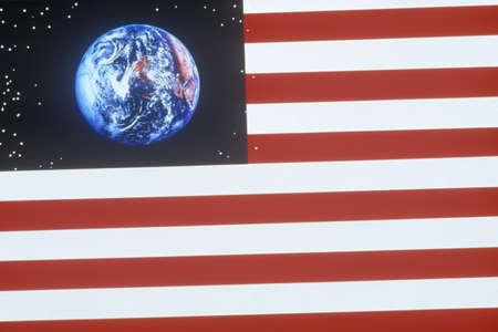 efectos especiales: Efectos especiales: bandera americana y el planeta Tierra Editorial