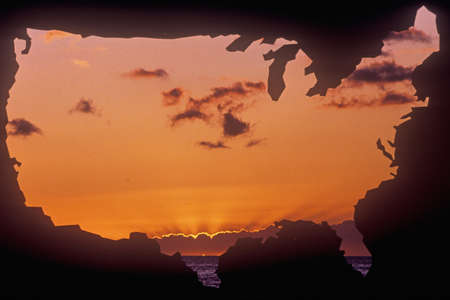 the mainland: Special effects: Outline of the United States mainland with sunset sky Editorial