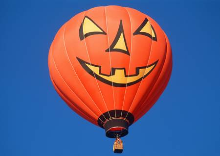 Halloween Pumpkin Hot Air Balloon Stock Photo - 20515966