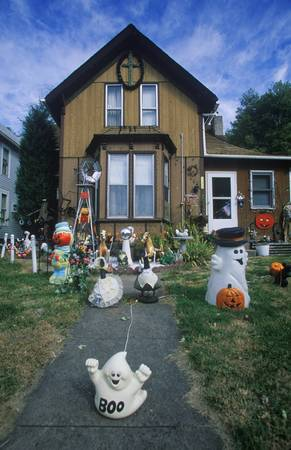 Halloween Decorations on Front Lawn of House, Savanna, Illinois Stock Photo - 20514200